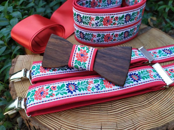 Folklore set - wooden bowtie, braces and women's belt
